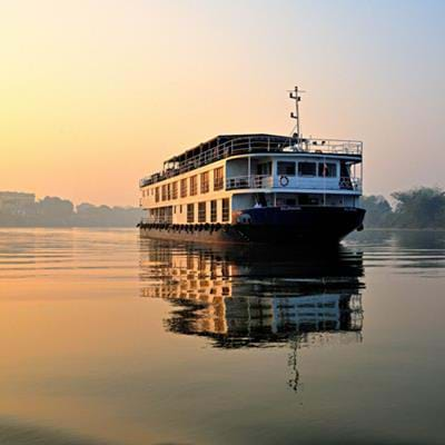 Cruising the Ganges